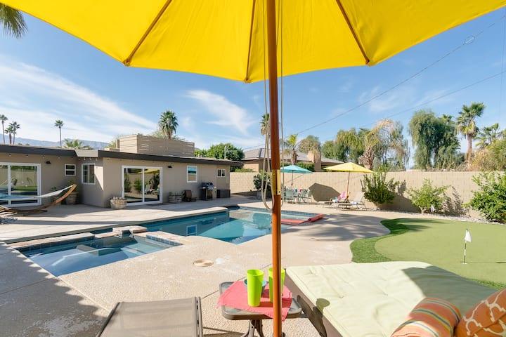 Fantastic Palm Desert Retreat with Saltwater Pool