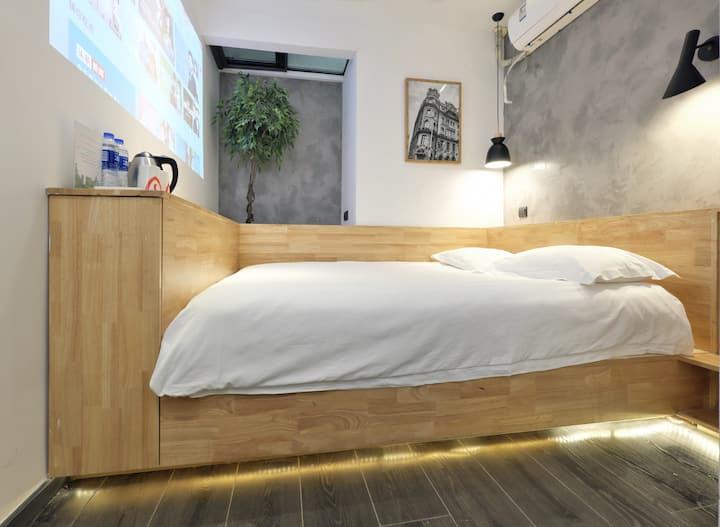 上海火车站附近 地铁1号线/8号线/12号线 800米内 高性价比1.5米大床房 独立卫浴 酒店式