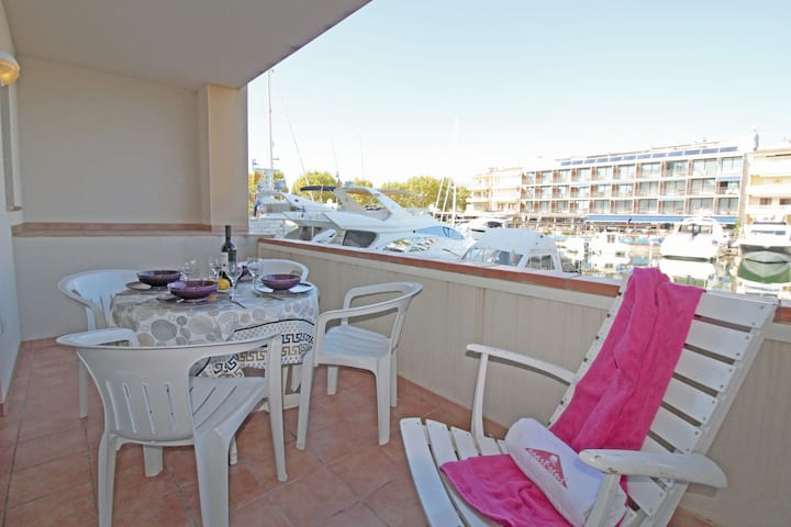 0155-PORT SALINS Apartment with canal view