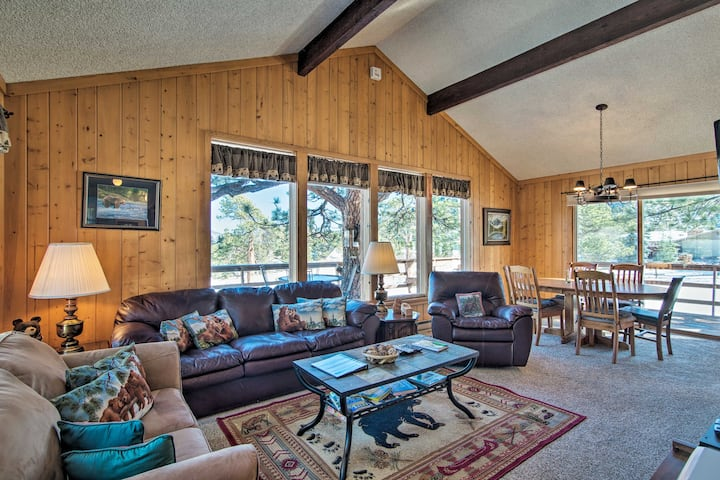Estes Park Cabin w/Deck - 5 Min to Downtown!