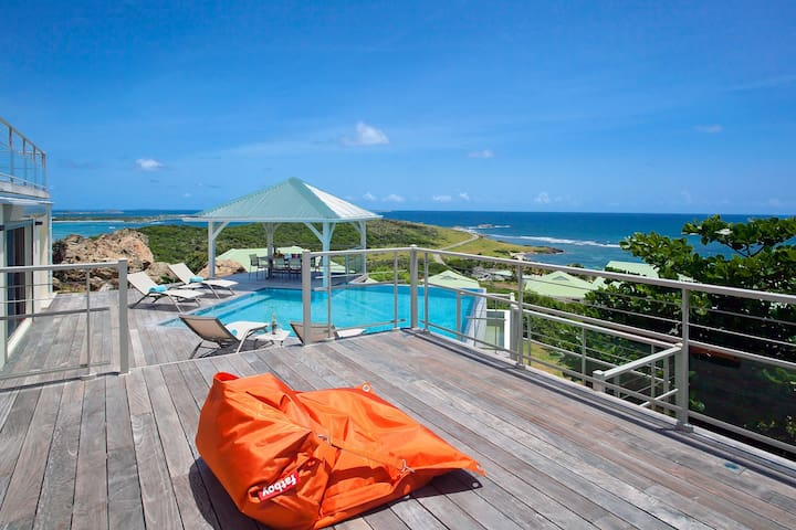 Le Bougainvillier,  villa avec vue imprenable