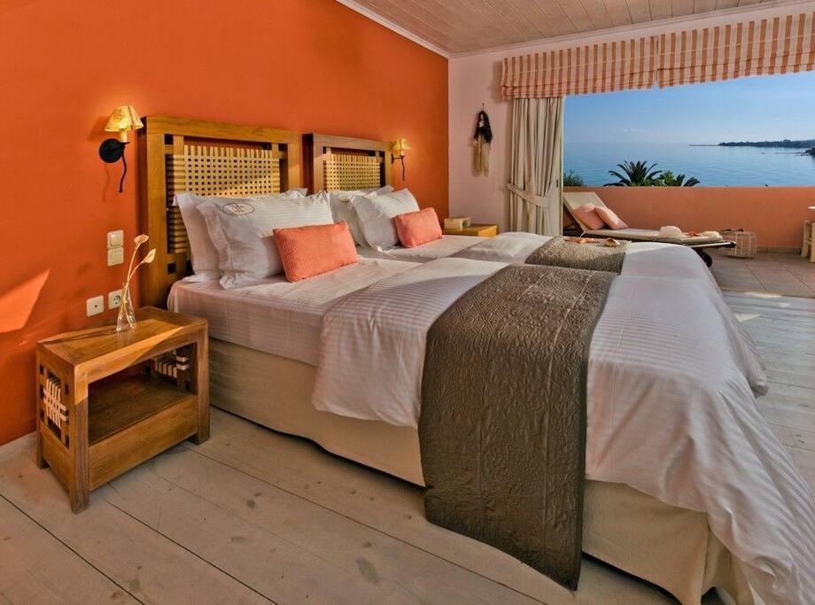 Phaedra bedroom sea view