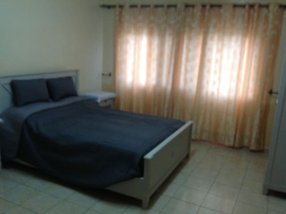 Spacious en-suite King size bedroom apartment 1