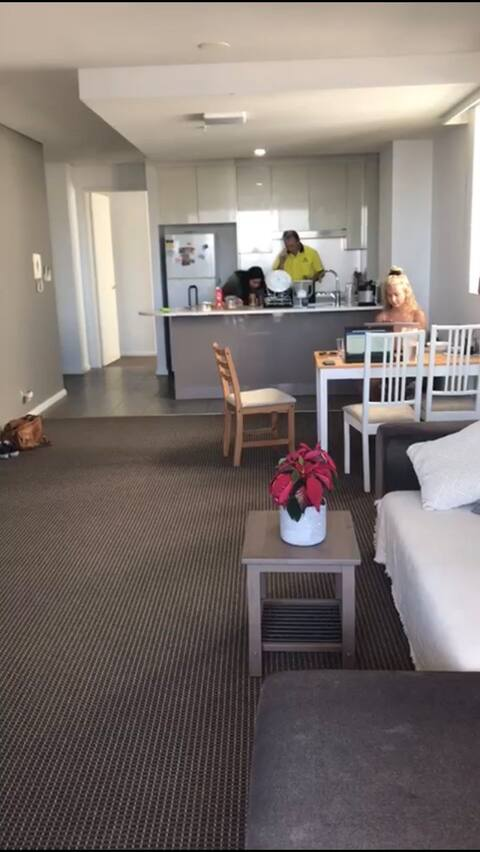 Cheap and cute North Sydney CBD Room