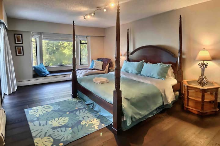Immaculate ocean view 3bdrm, 2bth - West Vancouver