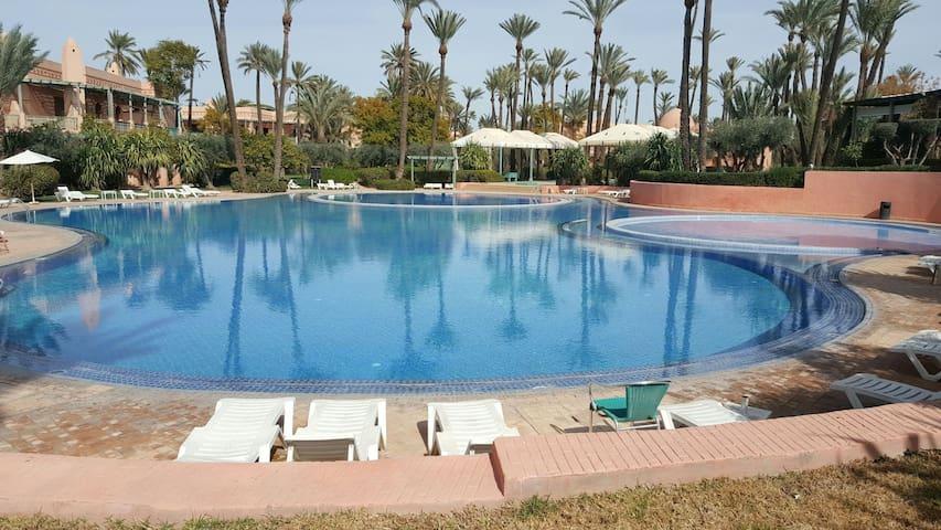 Deux chambres et salon au coeur de la palmeraie. - Marrakech - Appartement
