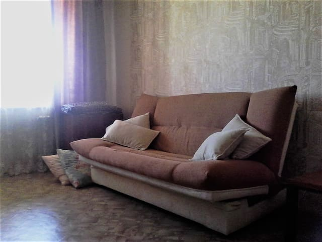 Квартира на Взлетной - 바르나울 - 아파트