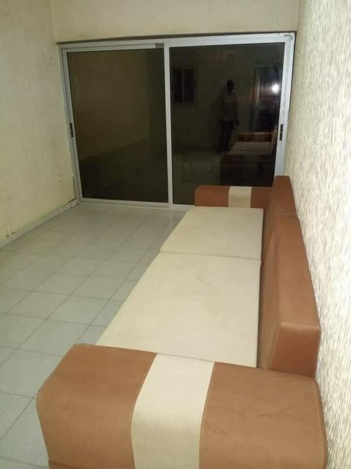 Super Duplex de 4 chambres salon au Cité BMS