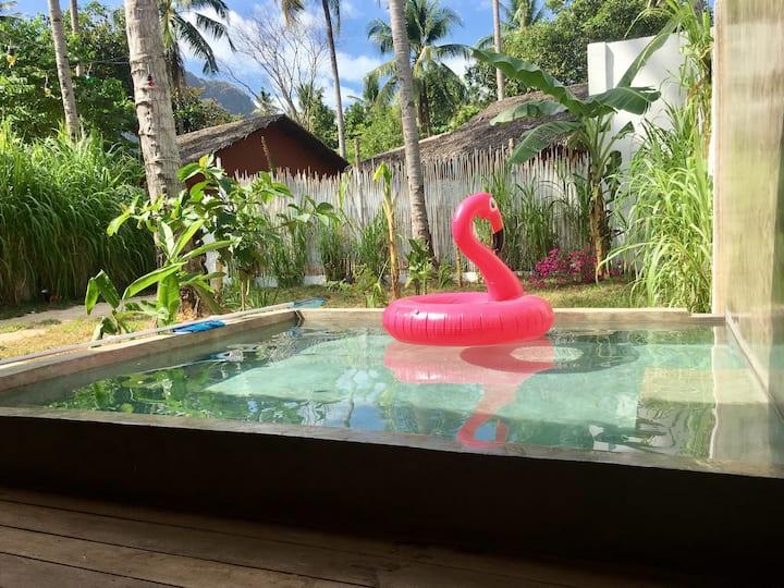 El Nido Pool Villa beside the beach