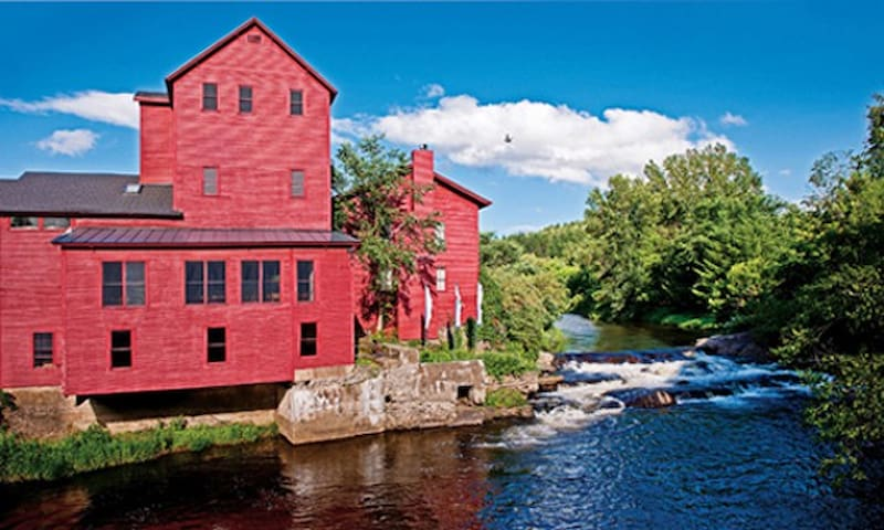 Vermont Studio Center. The largest international artists' and writers' residency program in the United States.