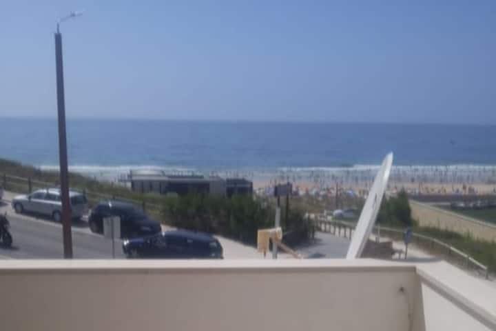 Apartamento T3 c/ vista para o mar com piscina