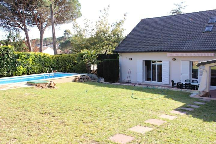 Casa piscina privada en Costa Brava - Llagostera - Dům