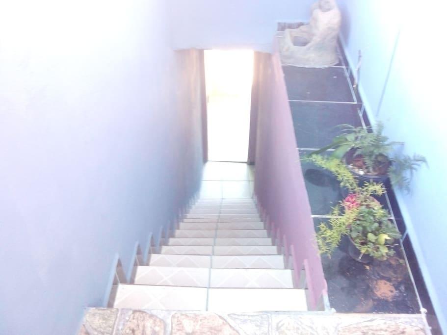 Escada direta para rua