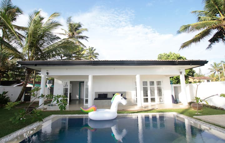 Absolute Beach Front Villa with Pool.