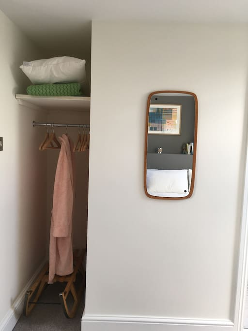 Room to hang clothes