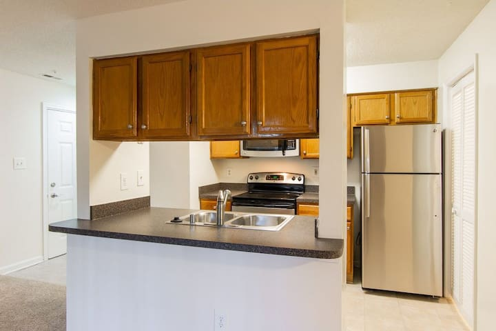 Relax in comfort | 1BR in Germantown