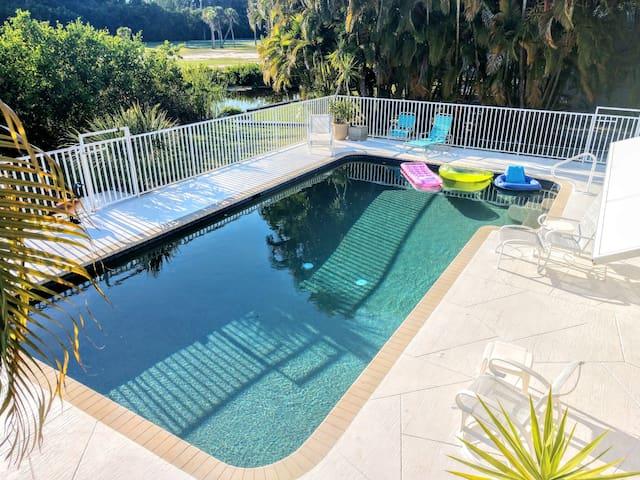 Bokeelia 3 Bedroom, 3 Bath, Pool, Marina & Golf
