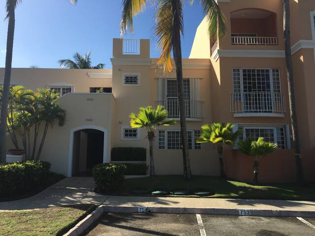 2 Bedroom Apartment amazing location! - Palmas del Mar - Leilighet
