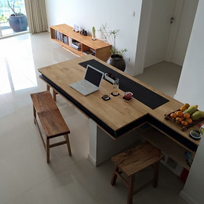 Dining table with 6-8 people