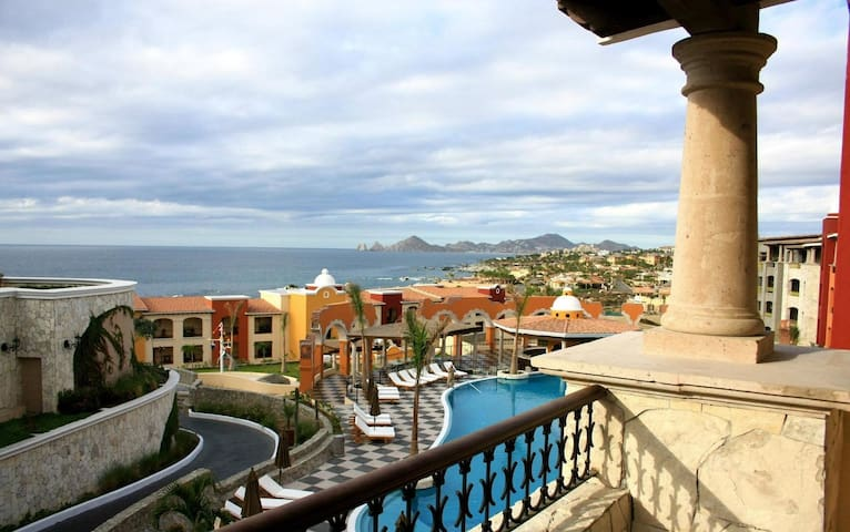 "<div style=""text-align: start;""><span style=""font-size: 16px; white-space: normal;""><b>Studio room, 1 Bathroom Sleeps 4 Baja California Sur, Mexico</b></span></div><span class=""item-title ng-binding"" style=""font-weight: 700; display: block; font-size: 16px; text-align: start; white-space: normal;""></span>"
