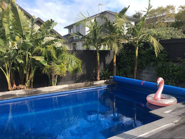Character bungalow with beautiful pool & garden!