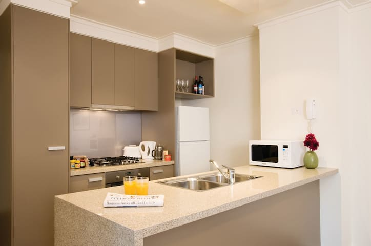 2 Bedroom / 2 Bathroom Apartment - Southbank - Pis