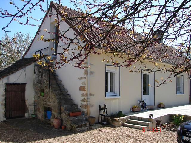 2 chambres  à  10kms du circuit - Sargé-lès-le-Mans - House