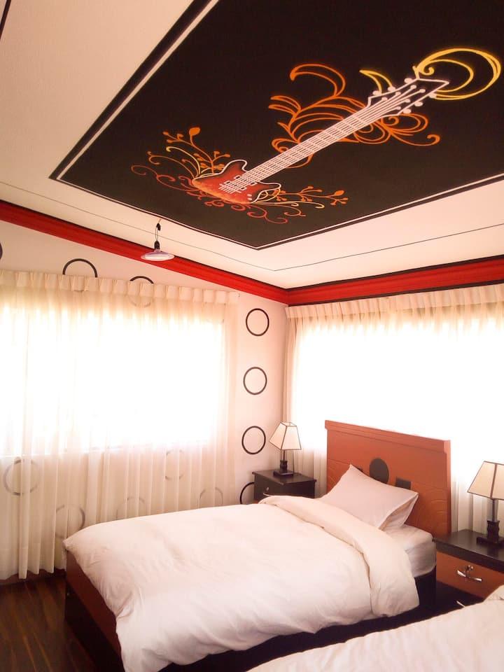 80´Family Room