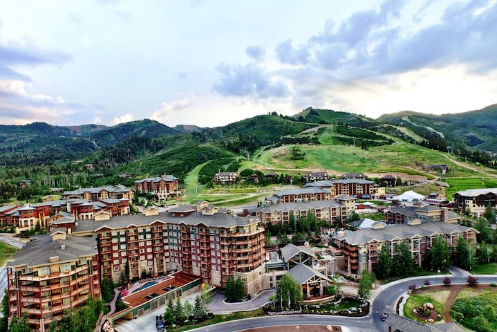 Westgate 1 Bedroom Suite with Panoramic Mnt Views