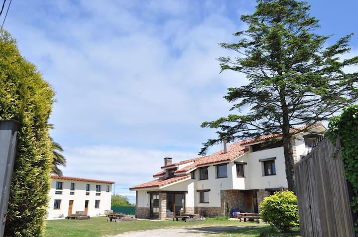 Ak55 Hostel (habitación familiar con terraza)