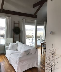 Loft Apartment With Ocean Views - Rockport - Lejlighed