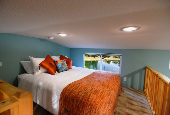 Fabulously comfortable beds and luxury Egyptian cotton linens await!