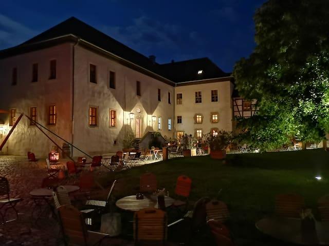 """Rittergut Positz - Ferienwohnung """"Ad Fontes"""""""