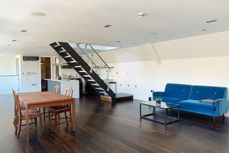 Sparkling Clean Penthouse | 2 bed/bath w AC & deck