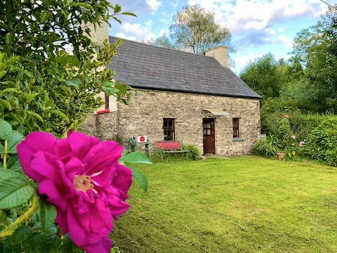 Traditioneel stenen huisje in idyllisch zuiden Kerry
