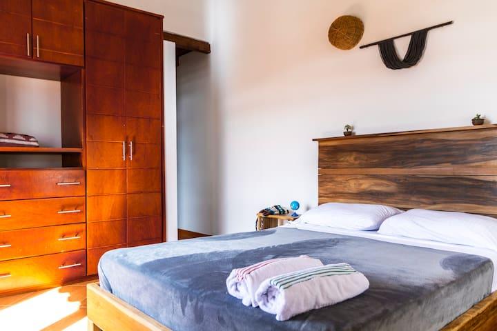 NIBIRU HOSTEL - Habitación doble baño privado 2