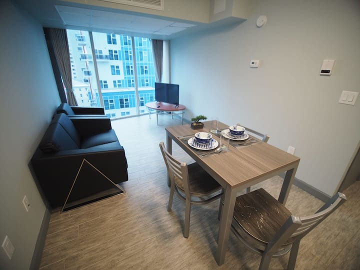 3 Bdrm *Sunview Suites* With Balcony