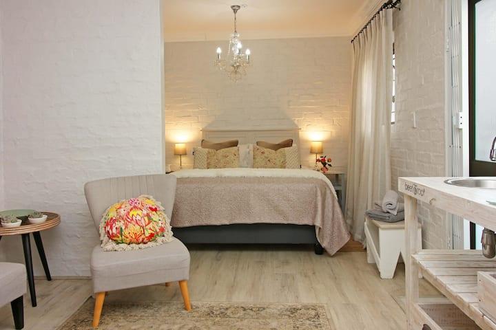 Petite Apartment