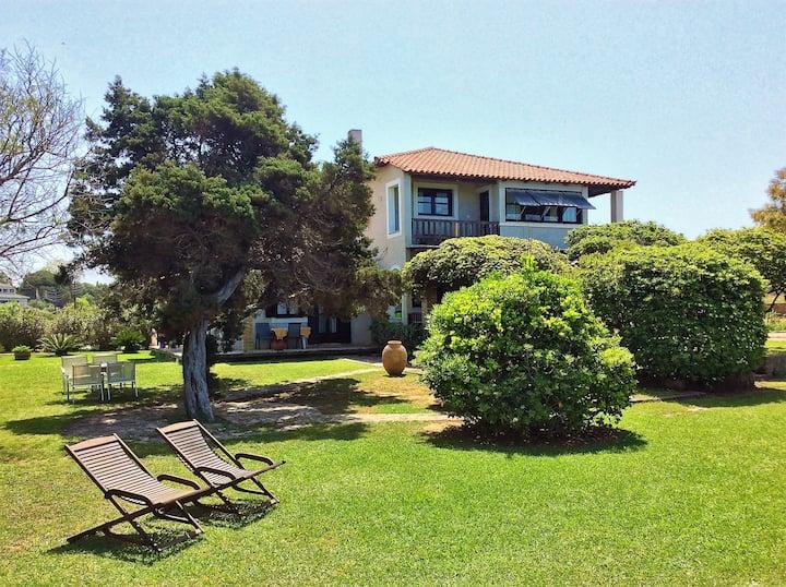 Genari Beach Apartments