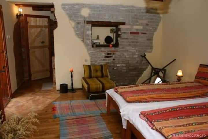 Quiet Rustic room in Sighisoara