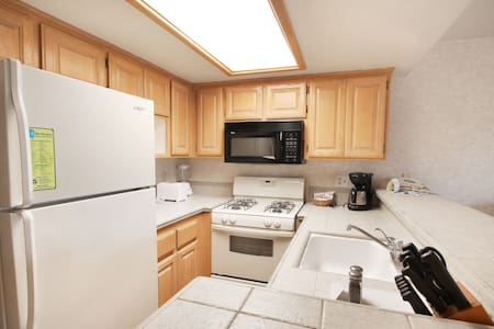 One Bedroom Condo - Full Kitchen with Indoor Pool - Big Bear Lake