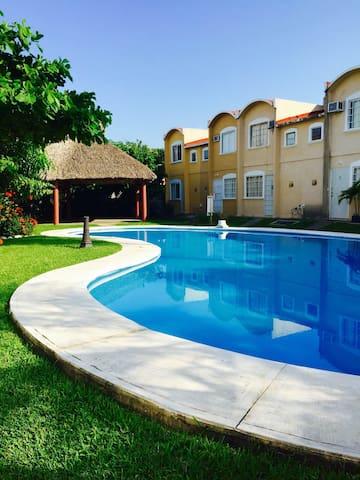 Hermosa casa en condominio en Ixtapa