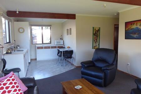 Self contained flat - Waikawa Wander Inn - Picton