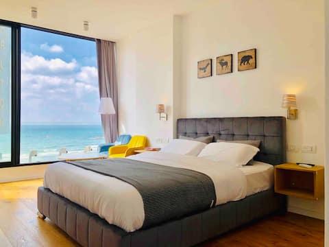 Hayarkon/BenGurion Beach and Sea View Luxury Suite