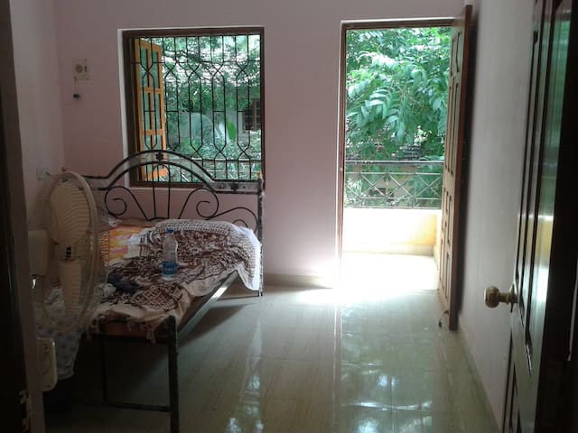2 BHK FLAT IN VERLA CANCA GOA - Mapusa - Penzion (B&B)