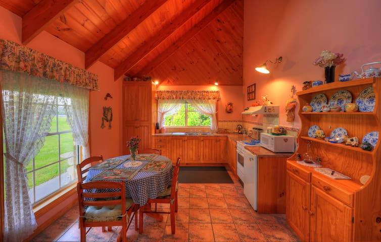 Rosebud Spa Cottage