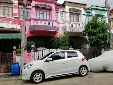 Orangii House