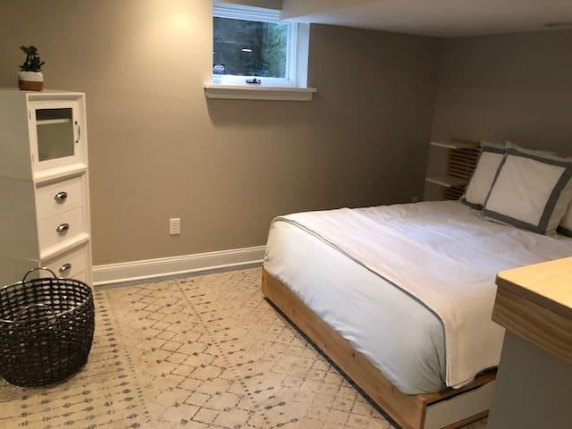 Studio #1 - Bedroom 1, Queen Bed