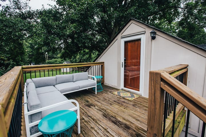 Creative Retreat 3 miles from Downtown