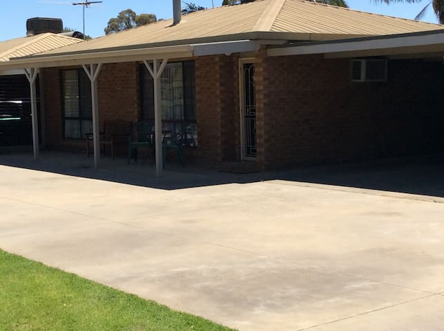 Grumpy's Place - Mulwala - Appartement